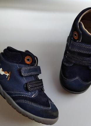 Ботинки clarks кожаные  р.23 uk6,5h мальчику