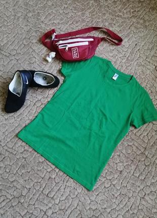 Якрая зелёная футболка 👕
