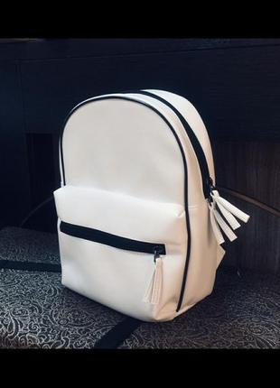 Стильный аккуратный рюкзак hand made.
