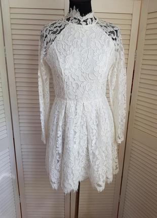 Белое кружевное платье love triangle