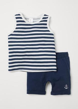 Трикотажный костюм для мальчика - майка и шортики на 4 года от h&m
