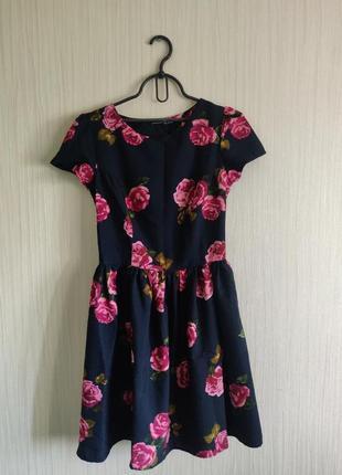 Платье чёрное с розами atmosphere