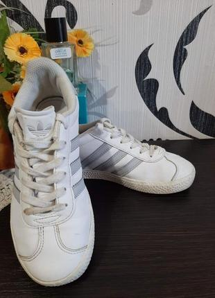 Кожанные кроссовки
