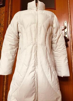 Пуховик bernardi collection p.46. италия. длина-120 см. белая куртка.