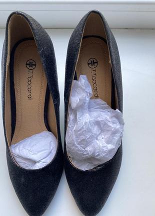 Туфли чёрные лодочки с блестками