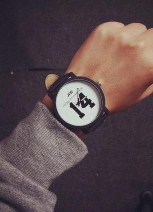 Часы наручные унисекс 14
