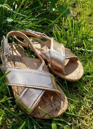 Дитячі босоніжки сандалі primark