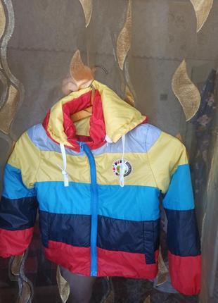 Курточка осенне-весенняя, 5-6 лет