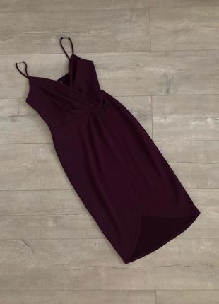 Стильное бордовое нарядное приталенное платье