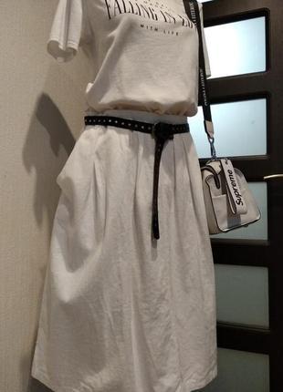 Белая пышная юбка трапеция миди с карманами