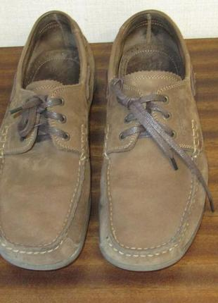 Мокасины мужские на шнурках.