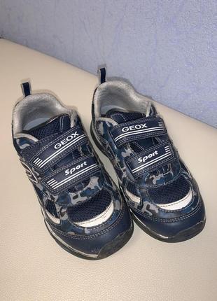 Geox кроссовки 32 размер
