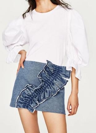 Супер джинсовая мини юбка с рюшей воланом zara