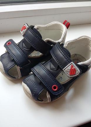 Босоножки для мальчика, 20 размер, идеально подходит для первой обуви