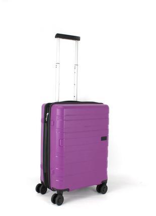 """Качественный чемодан из полипропилена торговой марки """"conwood"""""""