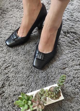 Очень классные стильные качественные туфли от clarks wide fit кожа