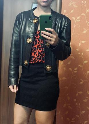Кожаный пиджак с плечами