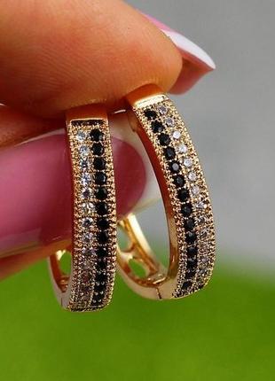 Серьги-кольца с фианитами из медицинского золота, не темнеет, не облазит
