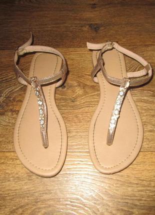 Босоножки на девочку сандалии с камешками