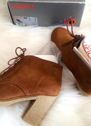 Супер качественные ботиночки американского бренда еsprit. 100% натуральная замша.