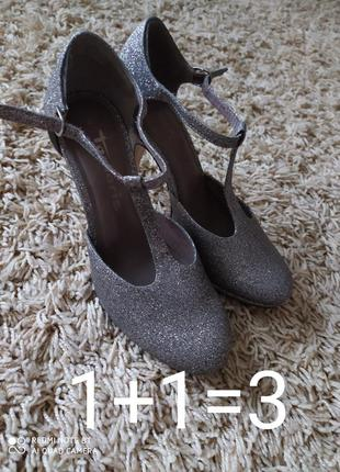 Туфли. босоножки. туфлі
