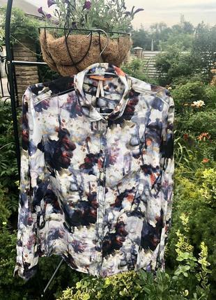 Оригинальная стильная  блуза от hugo boss☘️