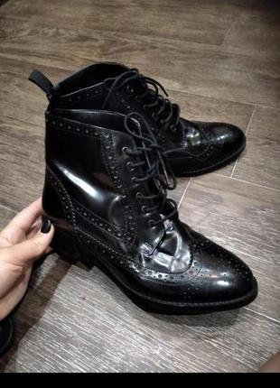 Крутые лаковые ботиночки ботинки оксфорды