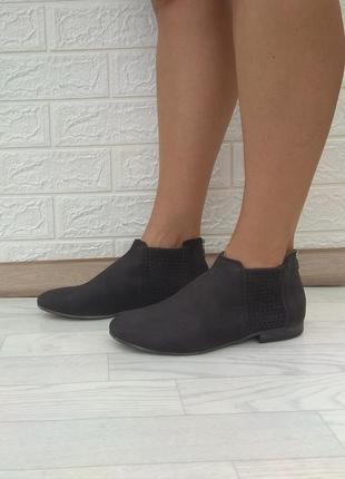 〰️новые кожаные деми ботинки clarks р 37-37,5
