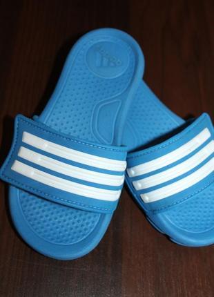 Шлёпанцы adidas, размер 28.