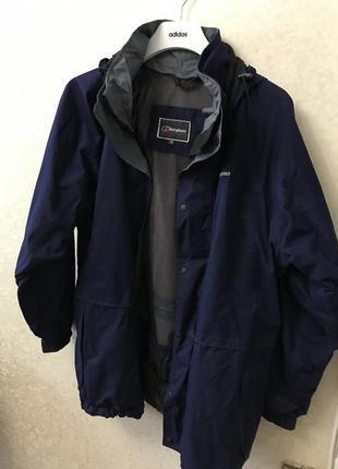 Чоловіча курточка berghaus