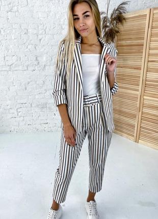Нарядный костюм пиджак и брюки принт полоска комбинированная