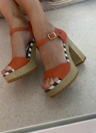 Босоножки каблук и платформа