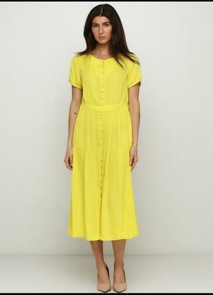 Легкое яркое платье на лето