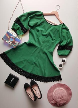 Изомрудное платье, зелене плаття