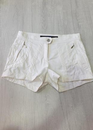 Легкие белые шорты escada sport