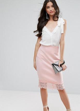 Плотная розовая длинная миди юбка карандаш стрейч неопрен с кружевом вышивкой снизу гипюро