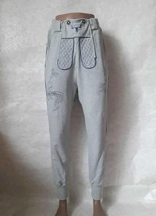 Шикарные новые спортивные штаны с завышеной талией и вышивкой, размер с-м