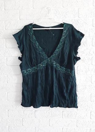 """Нарядная блузка, футболка  в """" жатку """" со стекляриусом и  пайетками на ажурной вставке"""