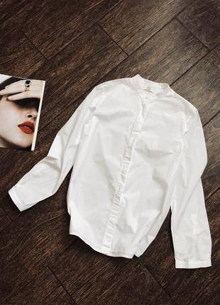 Красивая белая хлопковая рубашка