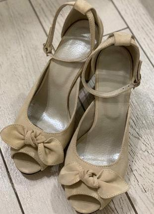 Замшевые туфли ручной работы
