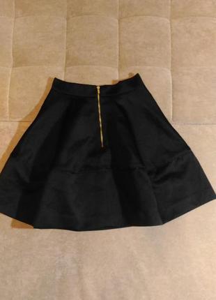 Чёрная школьная плотная юбка h&m полусолнце, размер xxs
