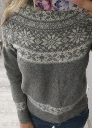 Теплый базовый шерстяной свитер