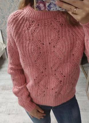 Нежный тёплый красивый свитер с шерстью