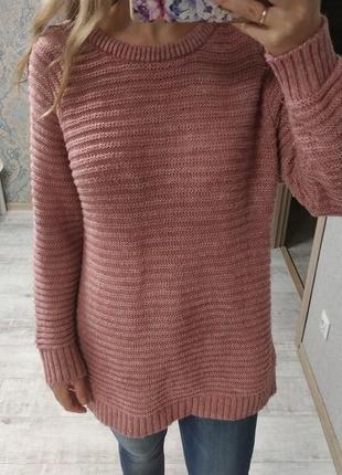 Красивый тёплый необычный свитер цвета пыльной розы