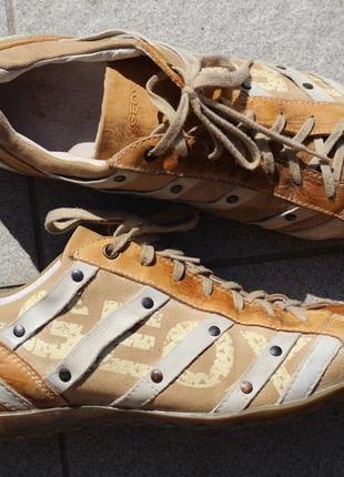Фирменные туфли geox дышащая подошва 43 разм