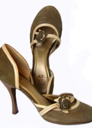 Замшевые туфли bcbg из оливкового цвета замши с отделкой из кожи, р. 37
