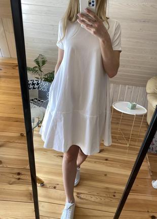 Белое платье cos с карманами