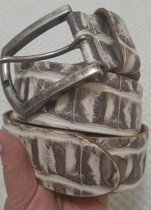 Итальянский кожаный  широкий ( 4,5см) ремень, пояс под кожу крокодила