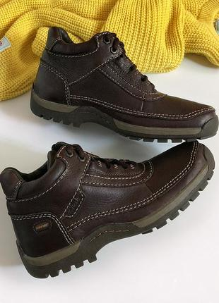 Новые обалденные натуральные кожаные ботинки clarks (оригинал, водонепроницаемые)