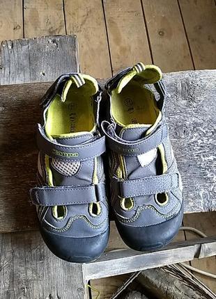 Закриті сандалі для хлопчика kappa
